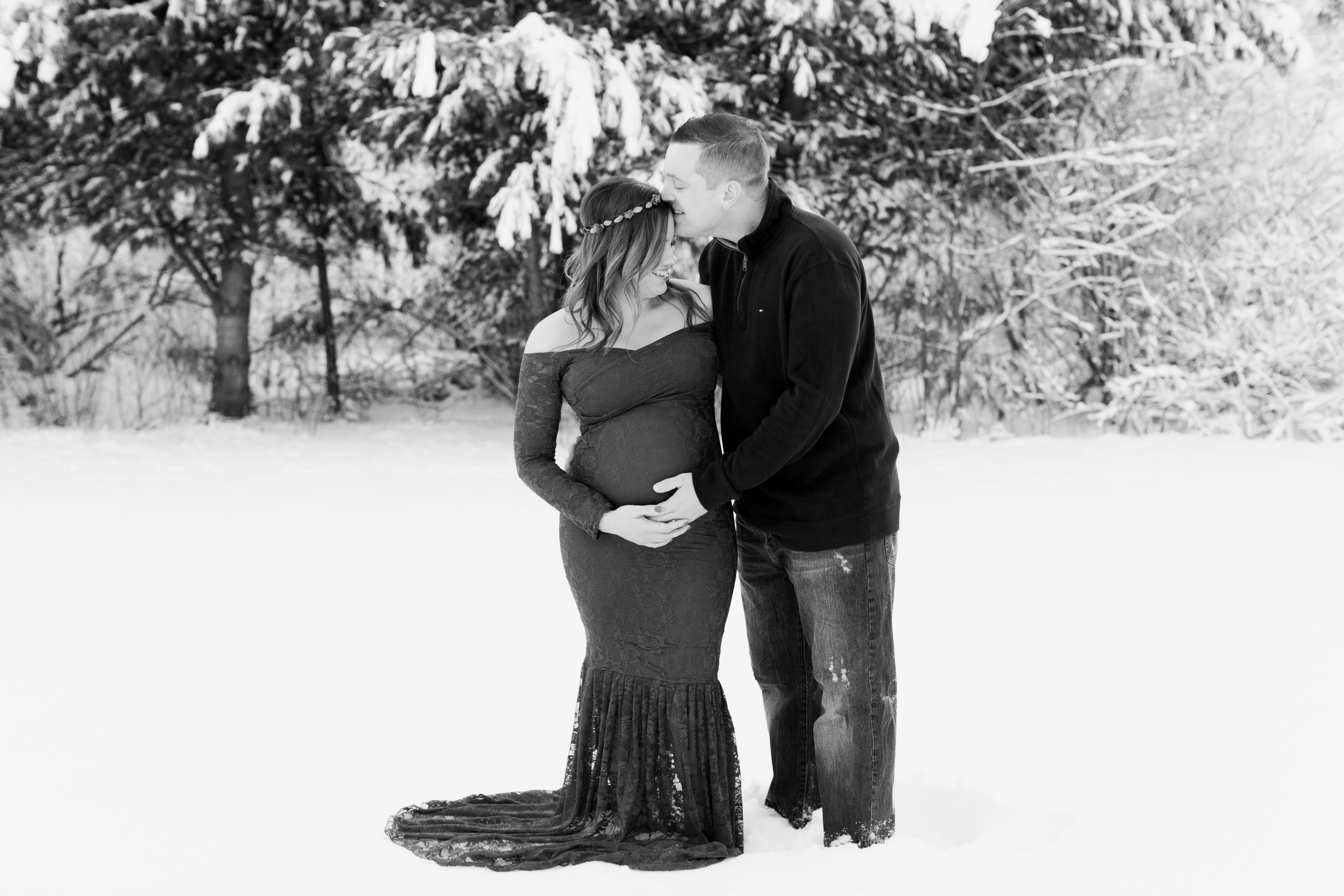 Snowy Maternity Session | Massachusetts Maternity